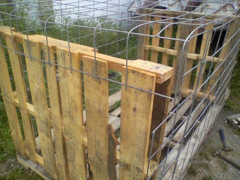 Haybale blind diy do it yourself tutorials and for Deer stand made from pallets